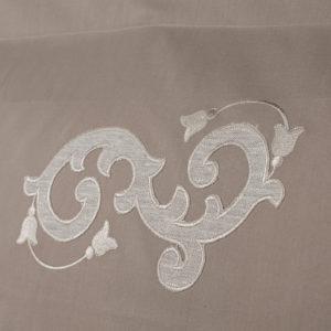 Federa guanciale colore sabbia ricamata in puro lino melange