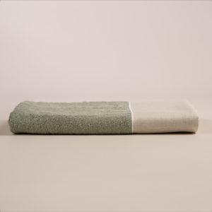 Telo bagno spugna verde con fascia lino sabbia