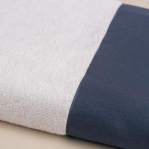 Coppia spugna bianca con fascia raso blu