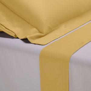 Completo lenzuola percalle colore bianco e bordo in raso di cotone giallo