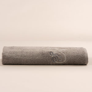 Telo doccia spugna grigia con cifra ricamata
