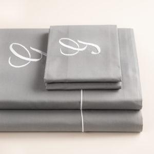 London completo lenzuola percalle grigio con profilo bianco e cifra