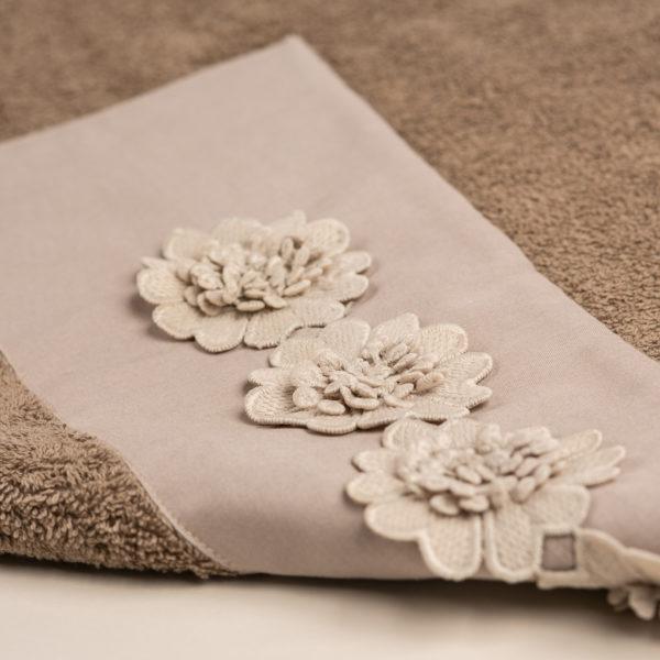 Coppia bagno spugna con fascia morbido cotone e applicazione fiori macramè