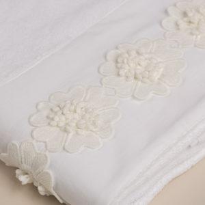 Telo doccia spugna bianca bordo e applicazioni macramè