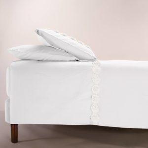 Copripiumino Life colore bianco con applicazopne fiori macramè