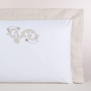 Federa guanciale percalle bianco con bordo di lino