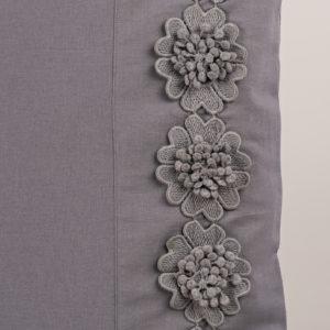 Federa guanciale grigio rifinito fiori macramè