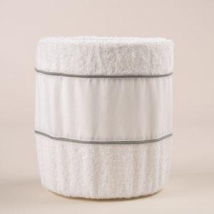 Gettacarta in spugna di cotone bianca e bordo in lino bianco con elegante profilo grigio
