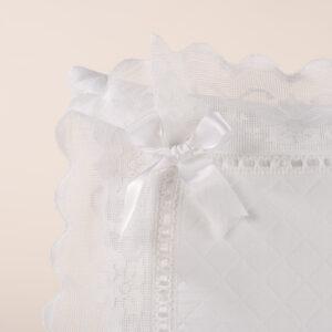 Federa cuscino arredamento in piquet bianco con pizzo