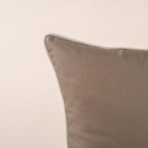 Cuscino da arredamento con profilo in contrasto