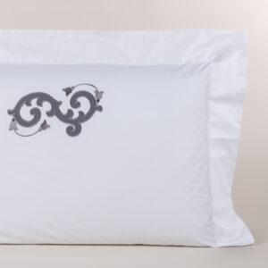 Federa cuscino letto percalle con ricamo grigio