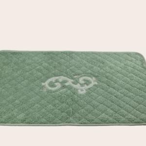 Tappeto da bagno spugna trapuntata con applicazione ricamata