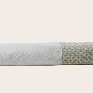 Telo doccia spugna bianco con bordo disegno geometrico